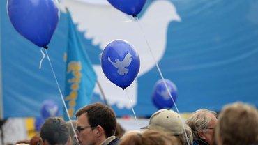 Abrüsten statt aufrüsten – Demonstration in Berlin für Frieden und Abrüstung