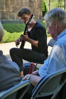 Sascha Bem an der Gitarre
