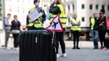 Bilder von der Kundgebung der Beschäftigten bei Bodenverkehrsdiensten des Hamburger Flughafens vor der Finanzbehörde. (19.5.2020)